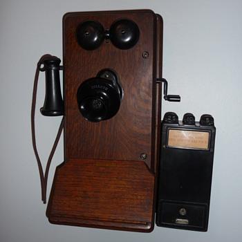 Kellogg Payphone - Telephones