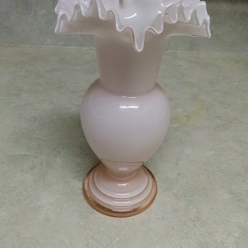 FENTON PALE PINK RUFFLED GLASS VASE - Art Glass