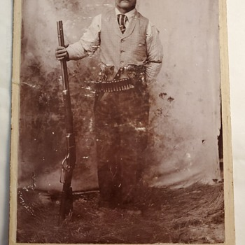 Anyone have any info on this peice such as probable date? - Photographs