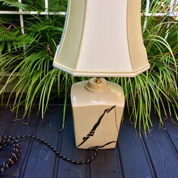 Art Deco ceramic lamp, unknown maker. - Art Deco