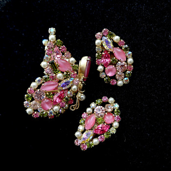Pink Schreiner Butterfly Trembler and Matching Clip Back Earrings - Costume Jewelry