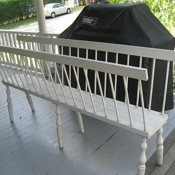 where do you sit on this bench? - Furniture