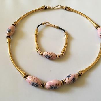 Vintage necklace and bracelet set - Costume Jewelry