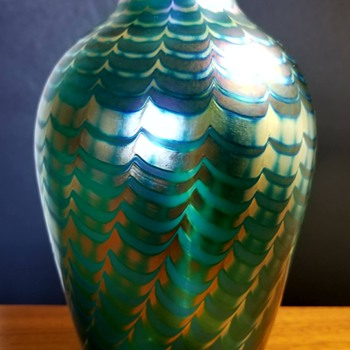 Steven Correia Irridecent Pulled Feather Vase 1985 - Art Glass