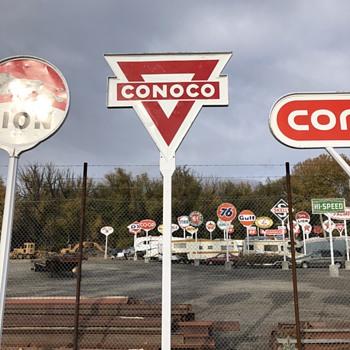 Conoco or Conoco - Signs