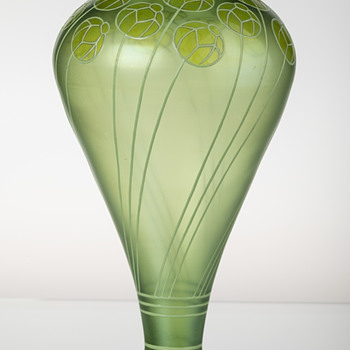 An examplary  Sütterlin vase manufactured by Fritz Heckert glass factory around 1901 - Art Glass
