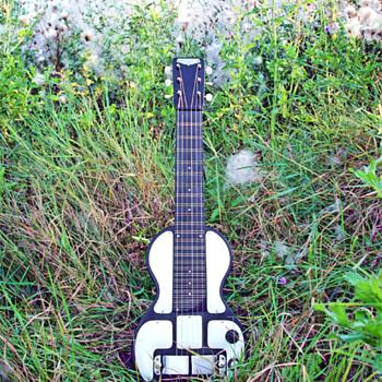 1941 Rikenbacher B6 (Bakelite 6 string) Lap Steel Guitar - Guitars