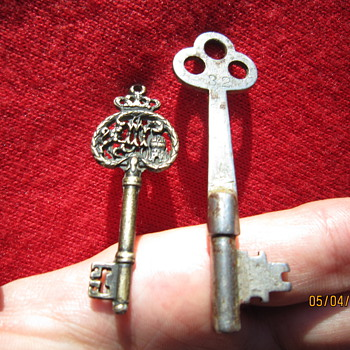 Two Antique Skeleton Keys. One for the Kings Treasure?  : ) - Tools and Hardware