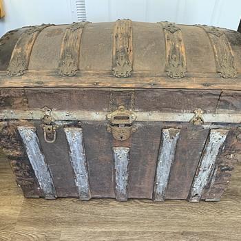 Old Alligator Trunk - Furniture