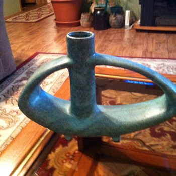 Toyo vase - Pottery