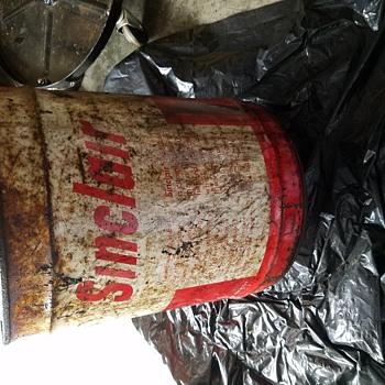 Sinclair oil can - Petroliana