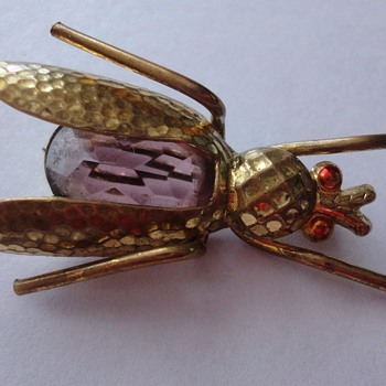 Art Deco period Cicada brooch Amethist - Costume Jewelry