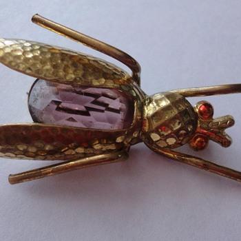 Art Deco period Cicada brooch Amethist - Costume Jewelry