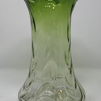 "Loetz ""Blattgrün kurz verlaufend wellenoptisch"", PN II-6030, ca. 1908 - Art Glass"