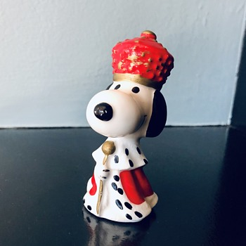King Snoopy Figurine - Figurines