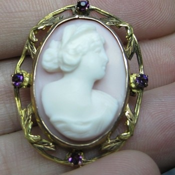 Antique Cameo find at the pawnshop. - Fine Jewelry