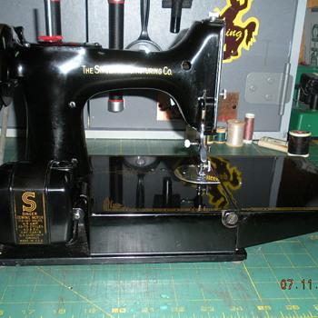 """""""Bakelite"""" Made in U.S.A. motor - Sewing"""