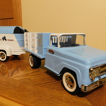 1959 Tonka Stake Bed & Horse Trailer - Model Cars