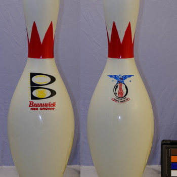 "Brunswick Red Crown, ""B"" Medallion Bowling Pin - Sporting Goods"