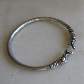 Pewter dragon or duck head bangle bracelet