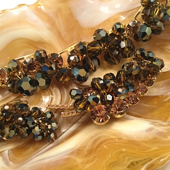 D & E DARK AMBER & CHAMPAGNE  SET - Costume Jewelry