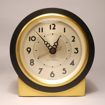 "Seth Thomas ""Tabor"" 1E Shelf Clock - Clocks"