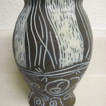 "Desperate For ID Help Mysterious Etched 7"" Blue Brown Ceramic Vase Possibly Foreign With Long Unusual Name & Thune - Pottery"