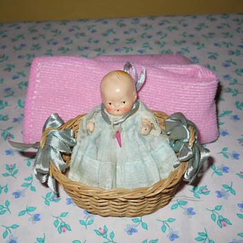 japan tiny bisque dolls?? - Dolls