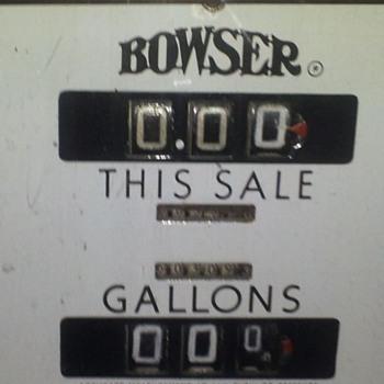 Mobile Gas Pump - Petroliana
