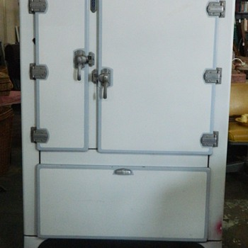 Vintage Kelivnator Icebox - Kitchen