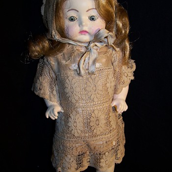 Antique Doll ...Who is the maker ? - Dolls