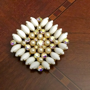 Large milk white brooch - Costume Jewelry
