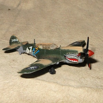 Bachmann Mini-Planes Flying-Tiger P-40 (Warhawk) 197s - Military and Wartime