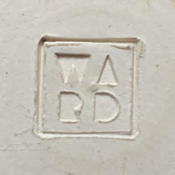Identifying a mark - Pottery
