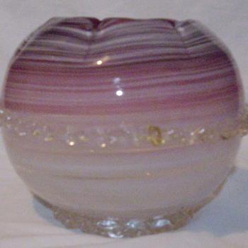 Cranberry rose bowl. - Art Glass