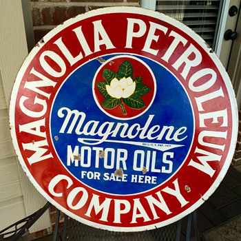 Early Magnolia Oil and Gas Sign  - Advertising