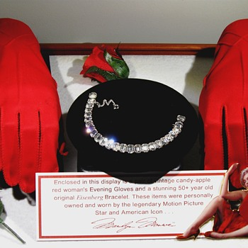 Marilyn Monroe . . . Vintage Evening Gloves/Bracelet