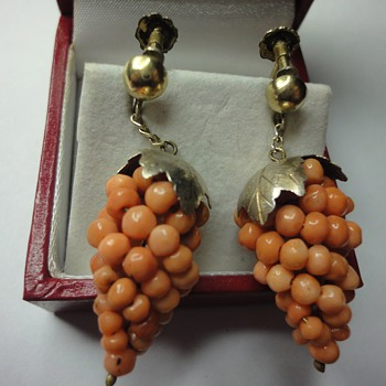 Coral bunches of grapes screw back earrings  - Fine Jewelry