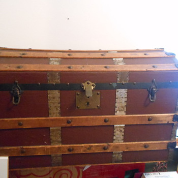 this old trunk - Furniture