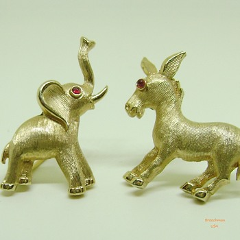 Crown Trifari elephant and donkey brooch set - Costume Jewelry