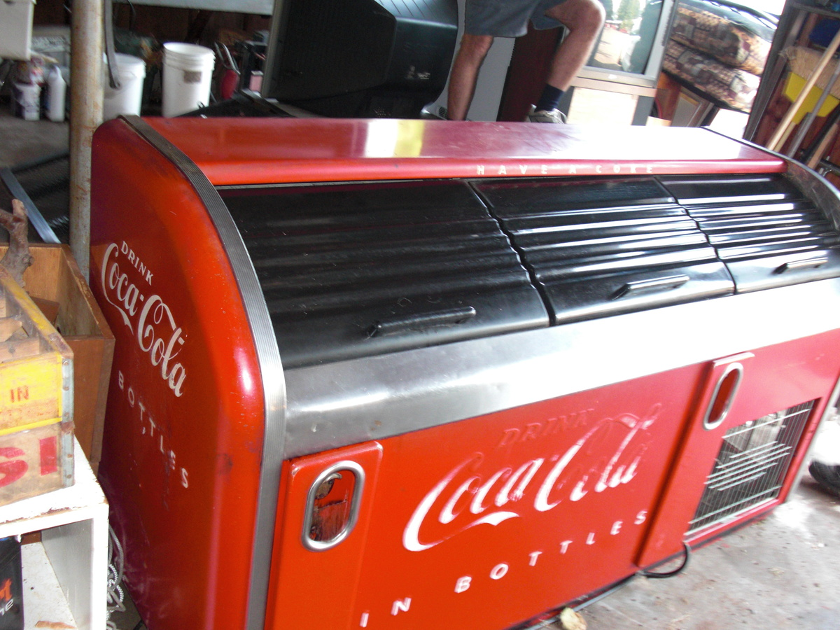 victor coca cola cooler bar, original paint!   Collectors Weekly