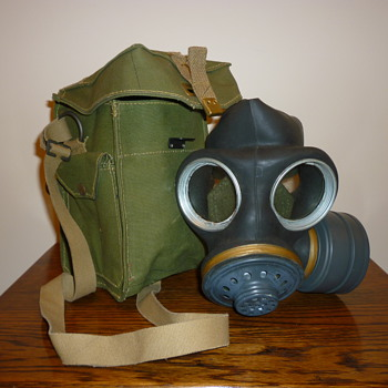Unused British Cold War gas mask from the 1950's/60's - Military and Wartime