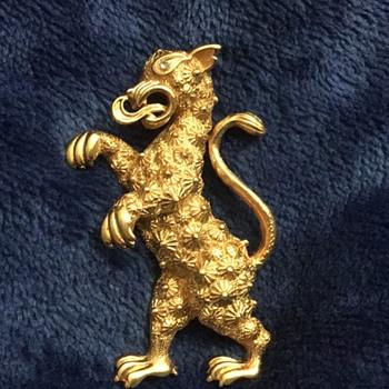 Vendome dragon - Costume Jewelry