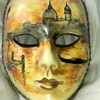 Beautiful hand painted face mask - Pottery