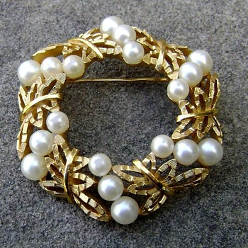 Trifari Pearl Brooch - Costume Jewelry