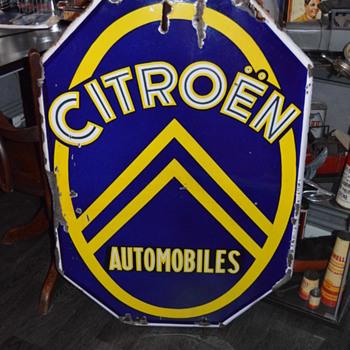 citroen automobiles dealership sign - Advertising