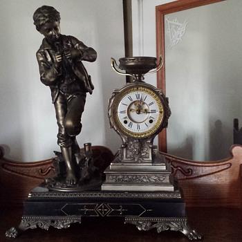Help identifying this clock. - Clocks