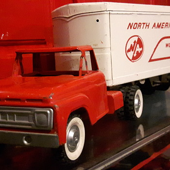 Early 1960s Structo North American Van Lines  - Model Cars