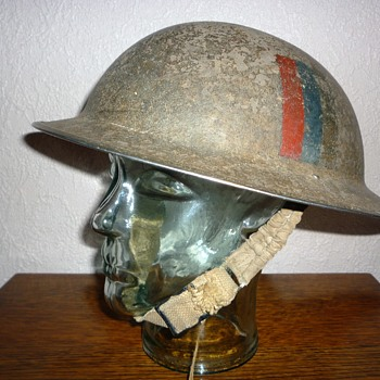 British WWII steel helmet. - Military and Wartime
