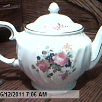 The San Francisco Music Box Staffordshire In England Rose Tea Pot - China and Dinnerware
